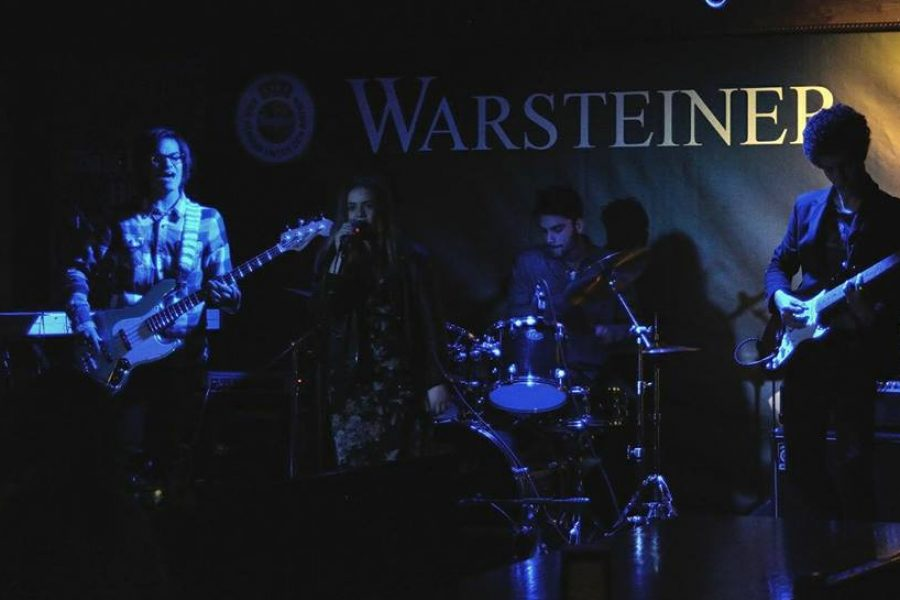 The Darts la band emergente più giovane del festival voluta dallo staff nazionale alle semifinali.