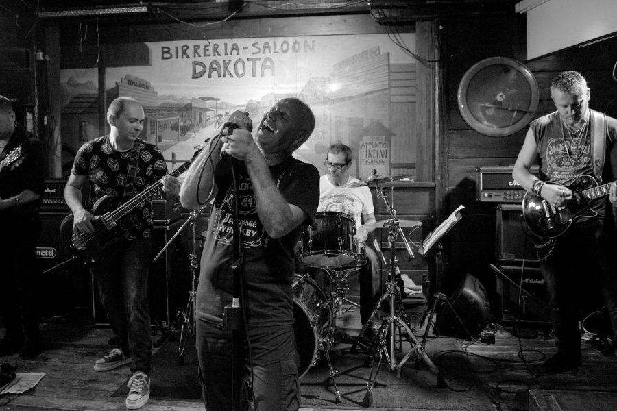 Cani Bagnati dal secondo posto a Sanremo rock 30° all'America