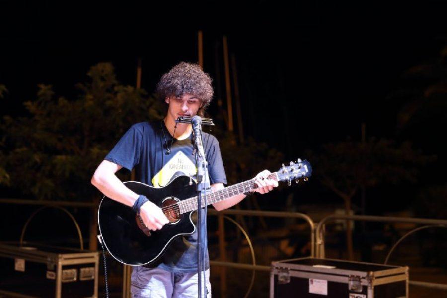 Nicola Cassarino cantautore alla 33^ del festival